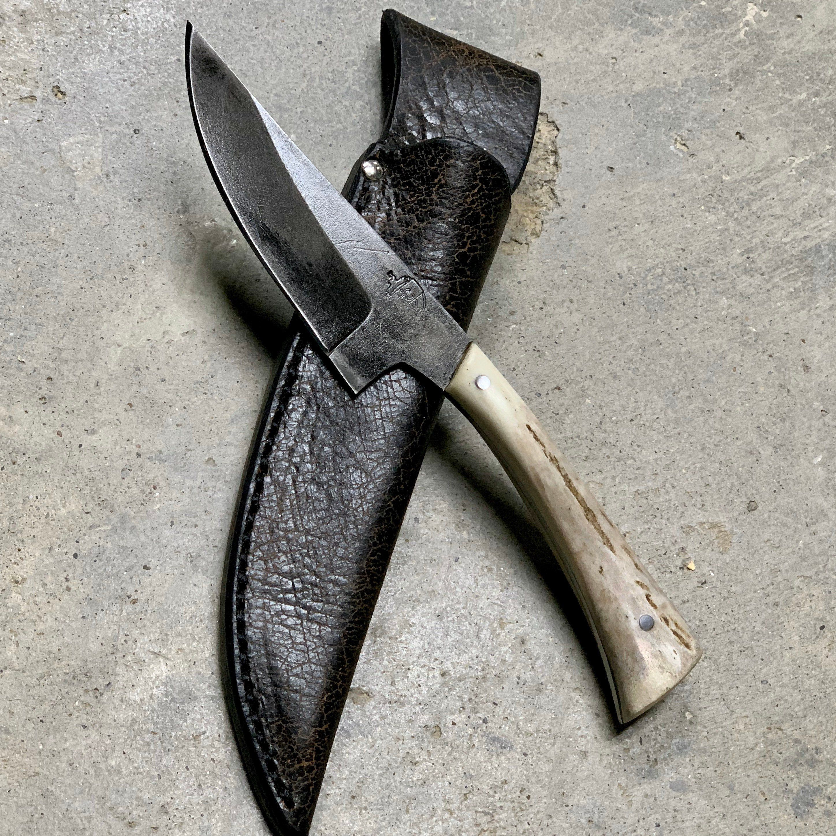 Full Tang Hunting Knife With 1095 High Carbon Steel Blade Whitetail Deer Antler Handle And Amish Made Custom Leather Sheath In 2020 High Carbon Steel Knife Leather Sheath
