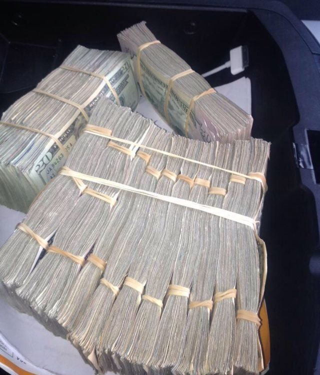 Its As Easy For Me To Manifest Money As It Is To Look At The Ground For Rocks Money Cash Money Stacks Money Goals