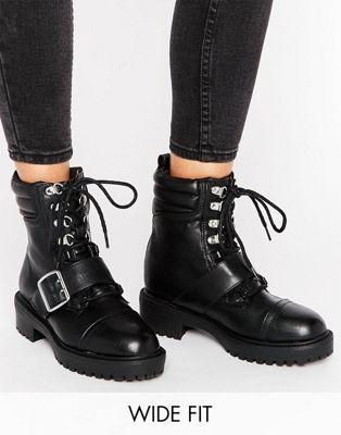 New Look - Bottines style chaussures de randonnée à lacets contrastés MaSsY9oX46