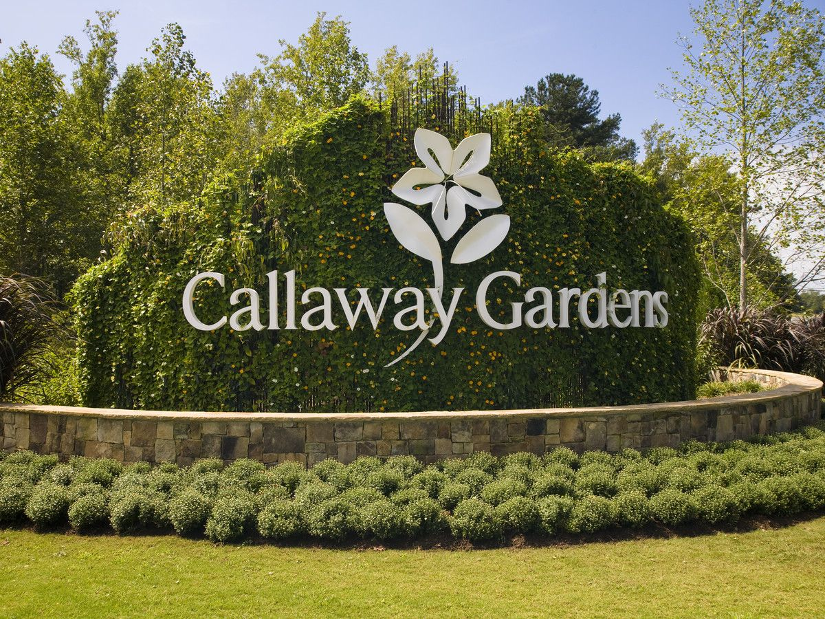 You Should Plan A Trip To Callaway Gardens This Summer There S A Spirit Of Adventure And A Connection To Nature You Ca Callaway Gardens Trip Christmas Travel