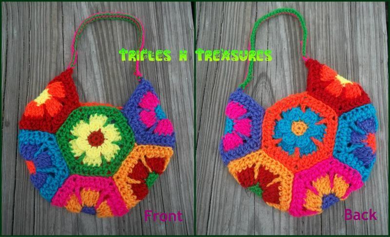 met 7 squares heb je een geinige gehaakte tas! Flower Child Bag free