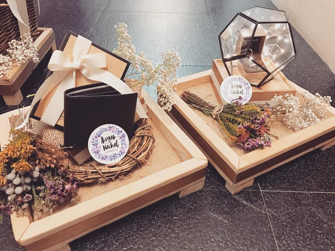 Happy Engagement Aisyah Haikal Engagement Gifttrays Rustic Ribbonsnti Wedding Gifts Packaging Wedding Gift Boxes Creative Wedding Gifts