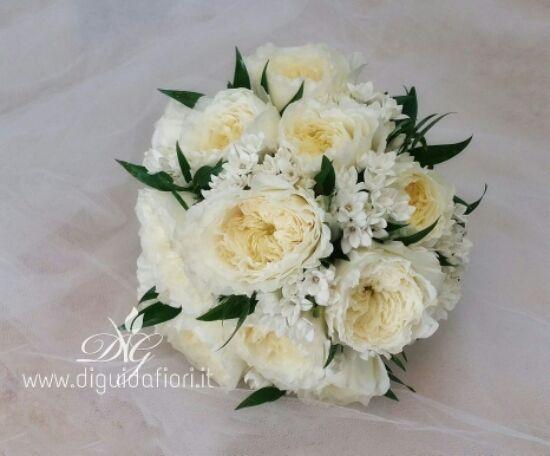 Bouquet Rose Sposa.Bouquet Da Sposa Rose Inglesi E Bouvardia In 2019 Rose Bouquet