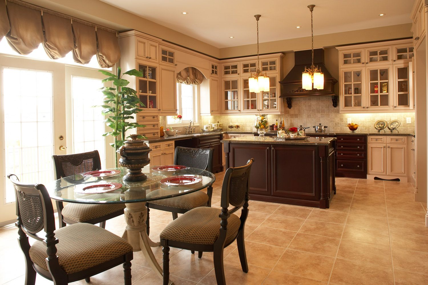 GL Homes photo gallery of models Model Home is full of