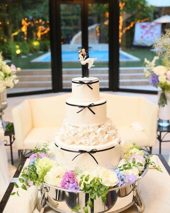 d380ece6290c4 ラストはこちら、卒花嫁「rioweddingkk」さまのケーキトッパーです。イミテーション