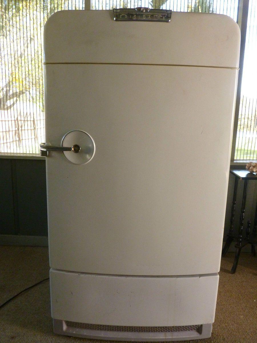 Vintage Frigidaire Refrigerator With Freezer Retro 50s Antique General