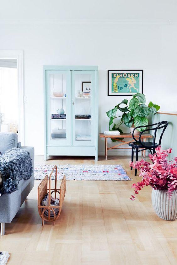 Hervorragend Minimalist, Pastel Living Room Decor