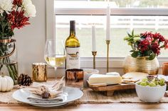 The best Thanksgiving table setting ideas for small spaces! Use these simple functional decor items to set up a Thanksgiving centerpiece. This is the perfect tablescabe for a small table. #joyfullygrowingblog #thanksgiving #tablescape #homedecor #turkey #liketkit #ltkholidaystyle #ltkholidaywishlist #ltkhome #christmas #christmaseve #christmasdecor #christmastree #christmasdecorations #christmas2017 #decor #design #home #almostchristmas #homeinspo #interiors #christmasspirit #mybhg #bhgcelebrate #thanksgivingtablesettingideas