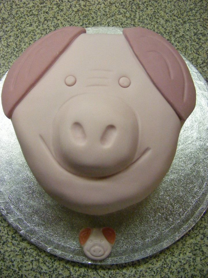 Percy Pig Cake Percy Pig Pinterest Cake Birthday Cakes And - Owl percy pig birthday cake