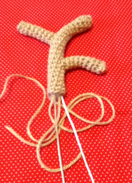 Crochet Reindeer Antler Hair Clips! Free Pattern!!  c0a9f45bdbe