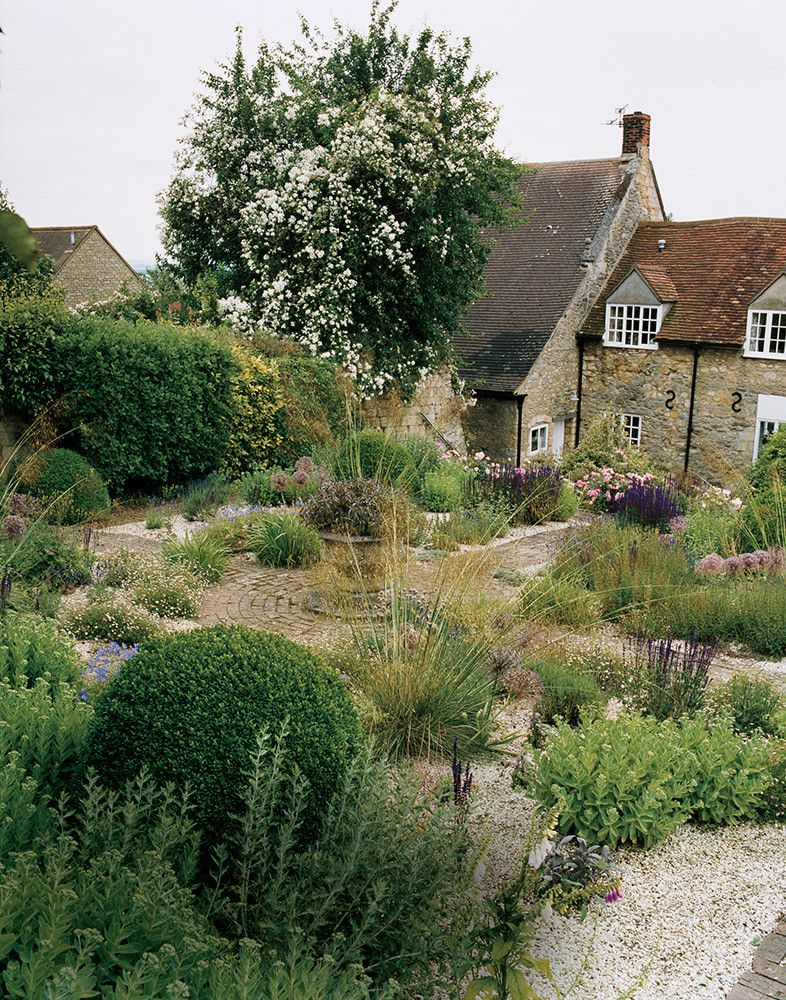 See More Images From What S An English Garden Anyway On Domino Com English Cottage Garden English Cottage Style English Garden Design