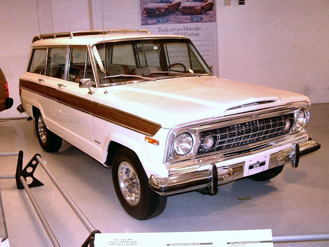 1973 Jeep Wagoneer White fvr Garage  WPC Museum  F