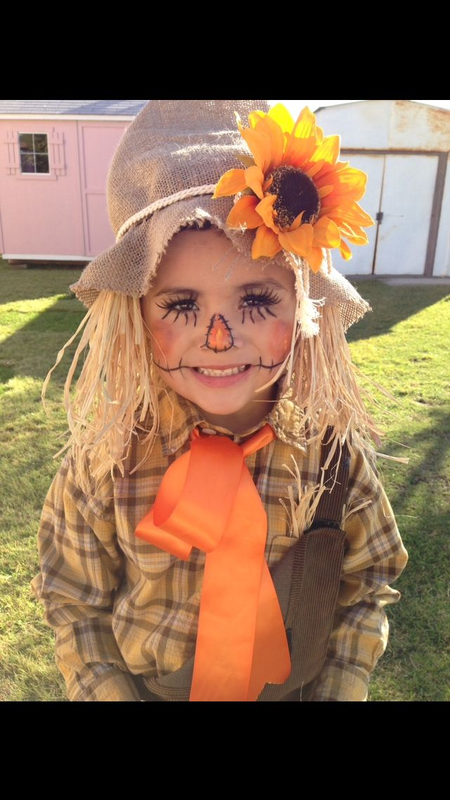 Scarecrow halloween costume. Hand made - adorable #scarecrowcostumediy