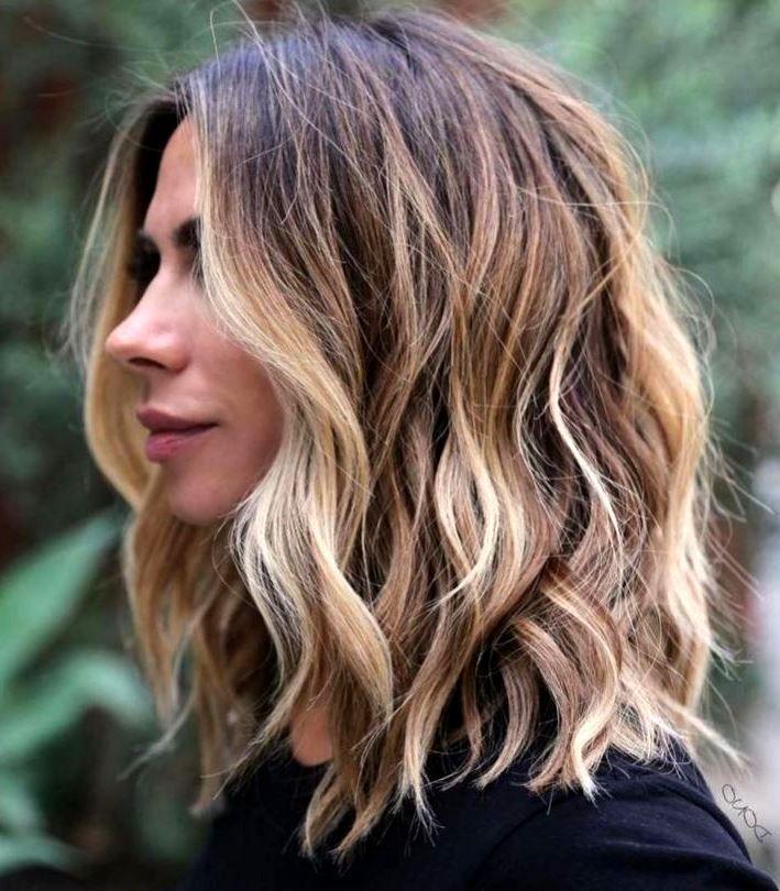 25 Women Summer Hairstyles Ideas For Medium Hair In 2020 Hair Lengths Shoulder Length Hair With Bangs Medium Hair Styles