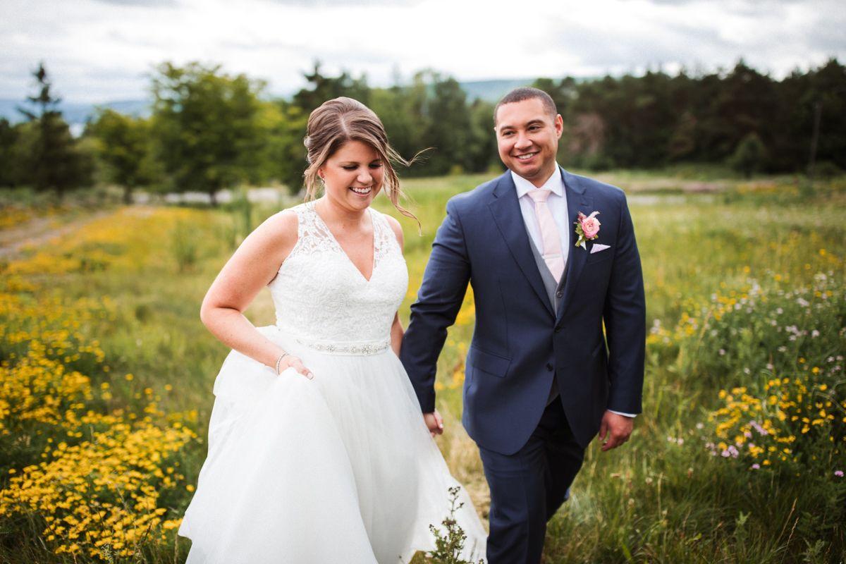 Bristol Harbour Lodge Golf Club Canandaigua Ny Jenny Berliner Photography Bridal Portraits Sleeveless Wedding New York Wedding