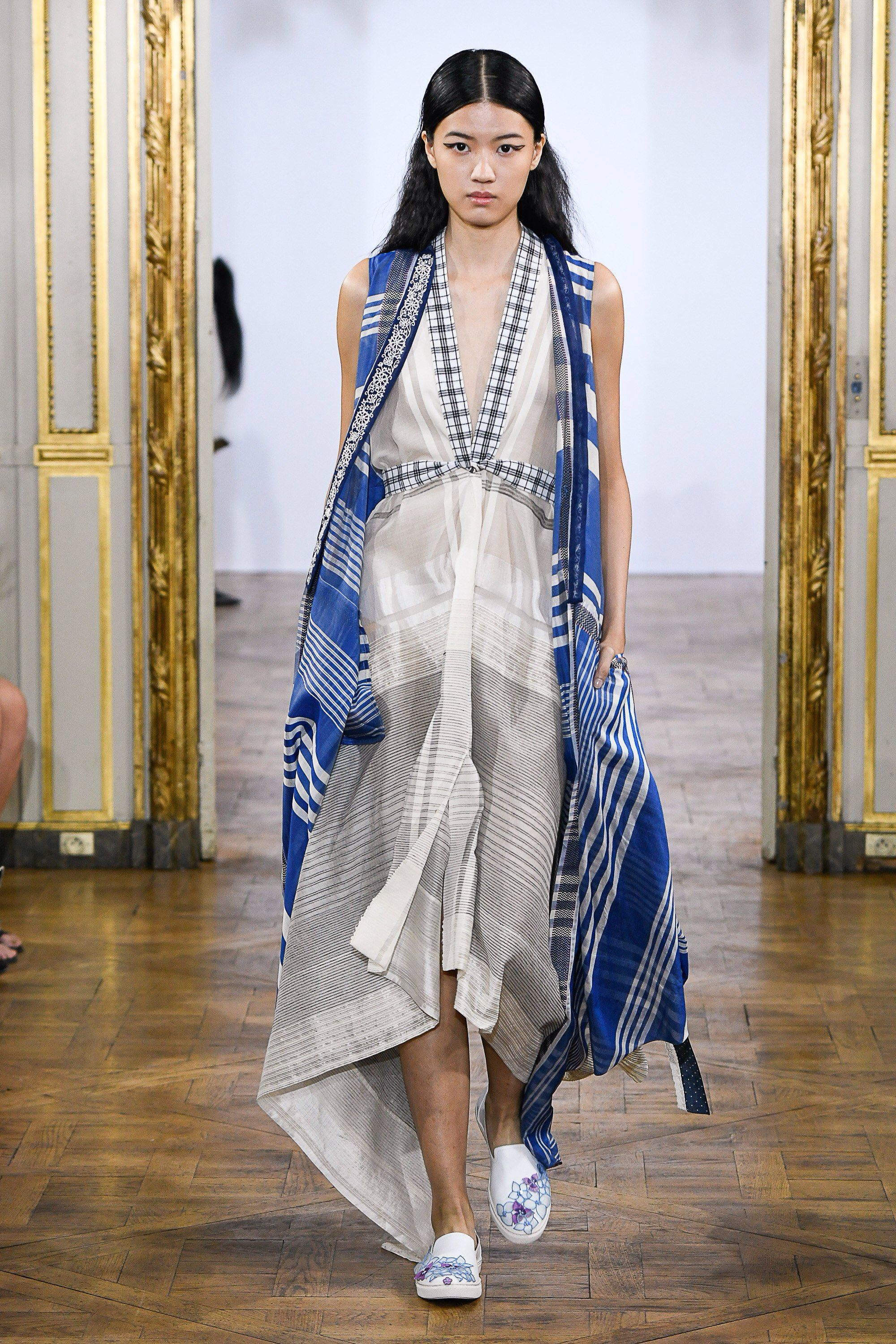 Rahul Mishra Spring 2019 Ready To Wear Fashion Show In 2019 Spring