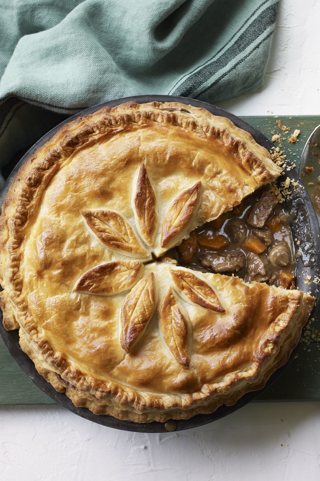 Steak and stout pie | Recipe in 2020 | Steak, stout pie ...