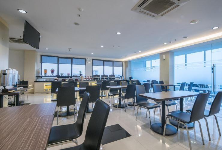 room rate hotel 88 grogol jakarta grogol from 19 07 2018 until 20 rh pinterest com