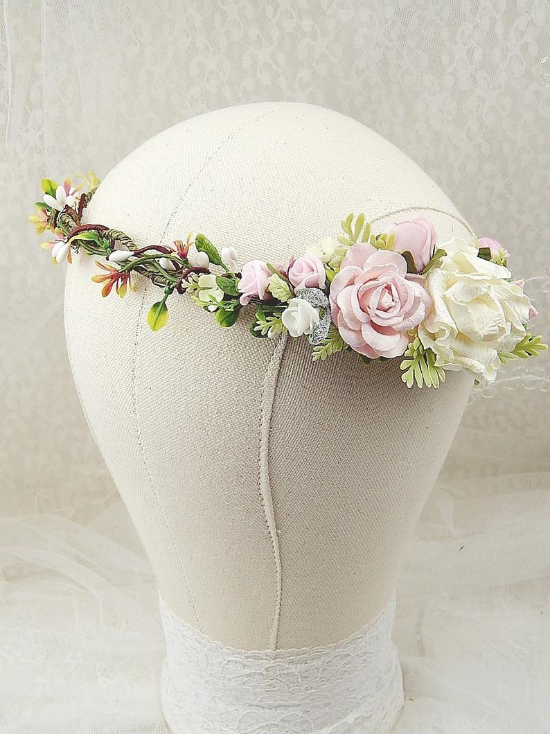Wianek Na Glowe Opaska Kwiaty Do Wlosow Kwiatowy Wianek Slub Wianek Ze Sztucznych Kwiatow Ba Kwiaty Etsy Wedding Shoe Wedding Sneaker