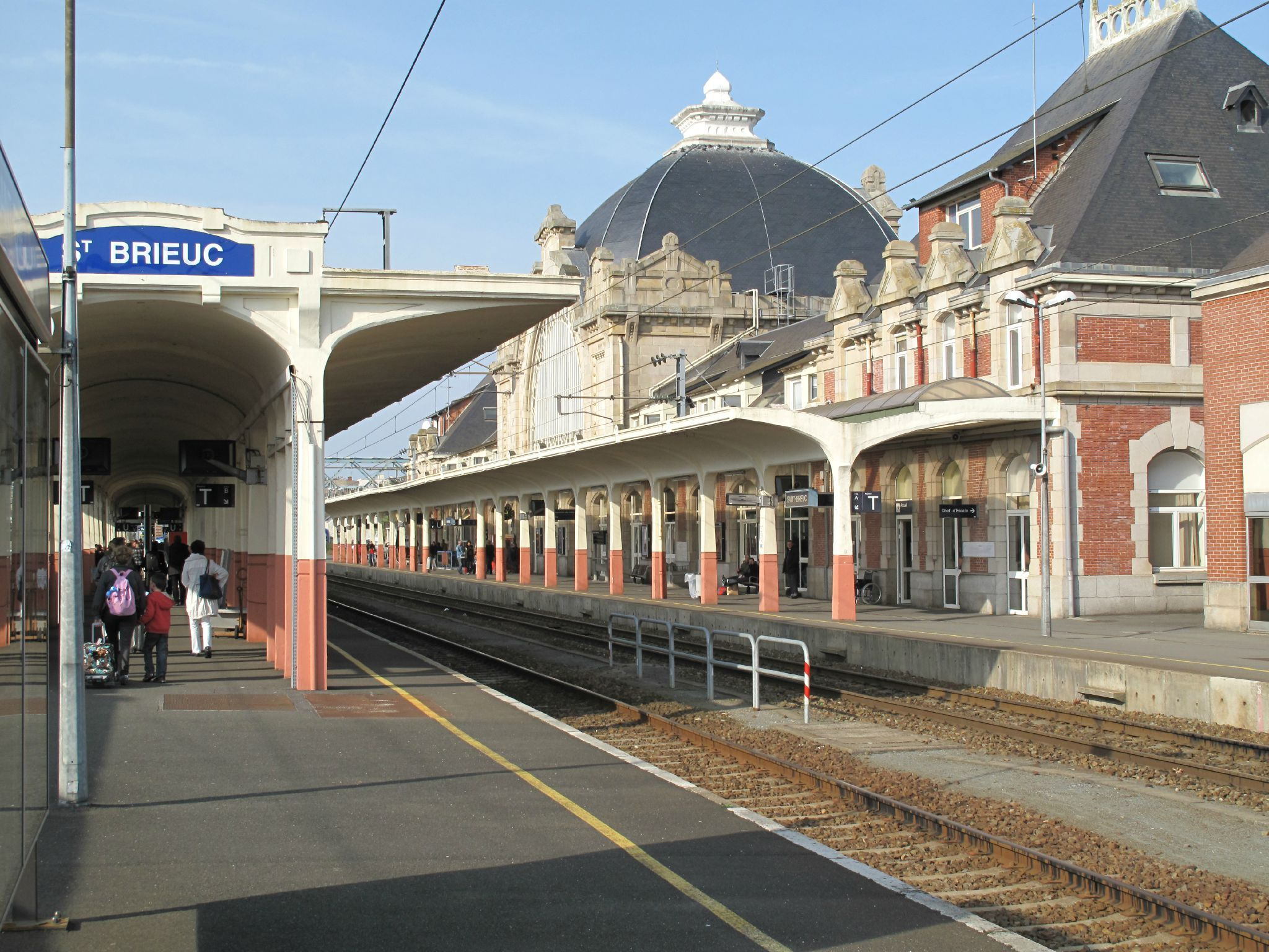 saint brieuc c tes d 39 armor gare train station. Black Bedroom Furniture Sets. Home Design Ideas