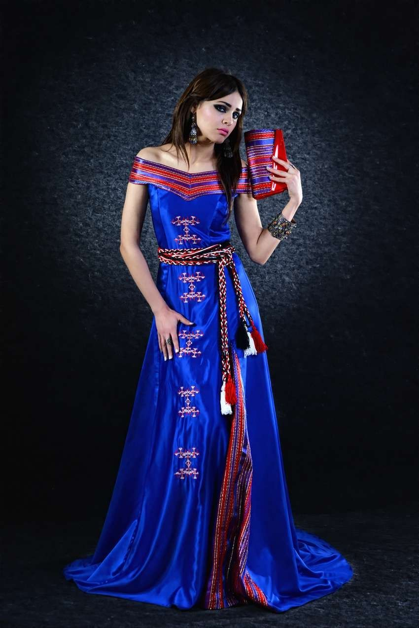 Robe kabyle moderne avec col bateau robe kabyle for Haute kabylie