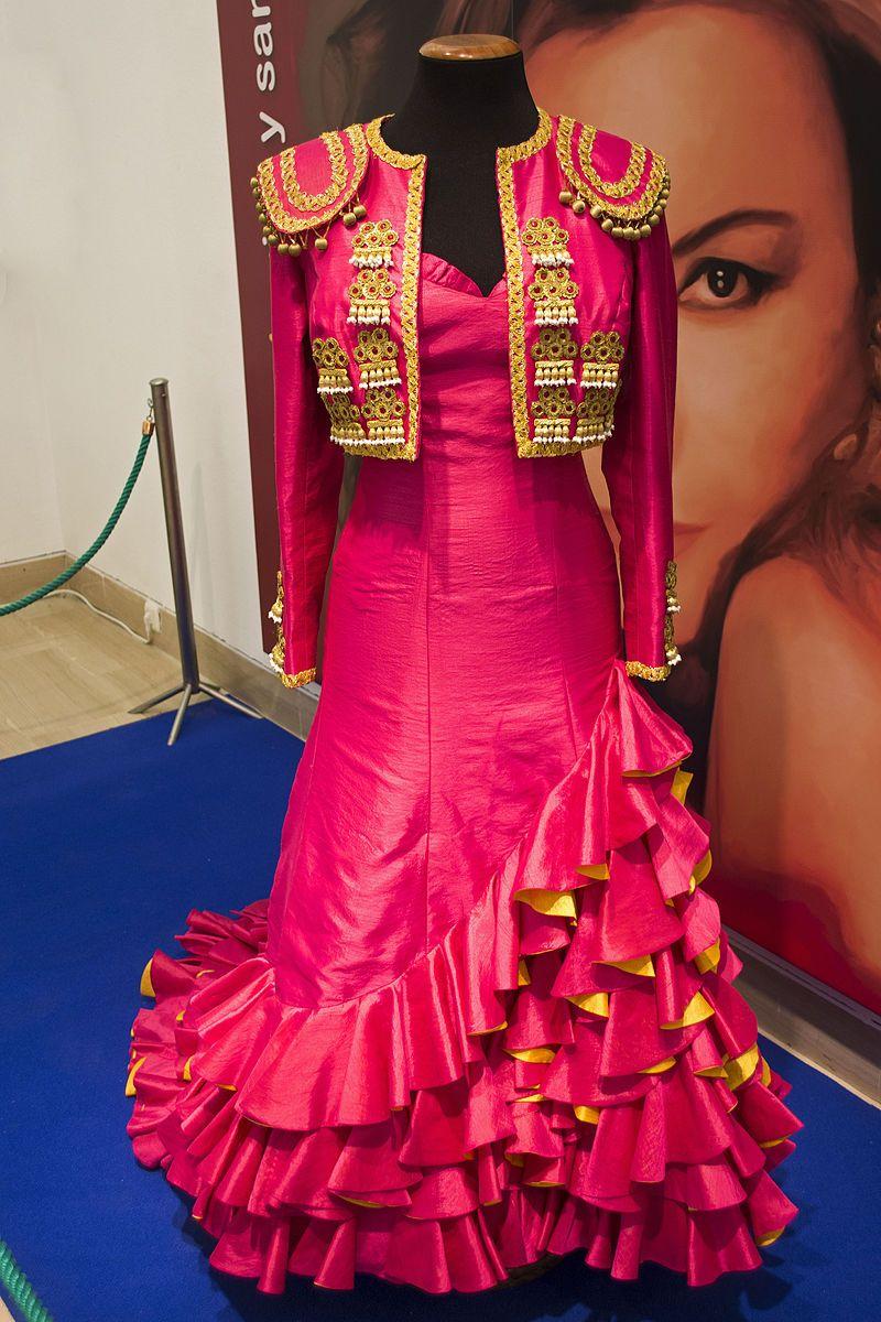 4c3511043 Vestido rociojurado2015001 - Rocío Jurado - Wikipedia