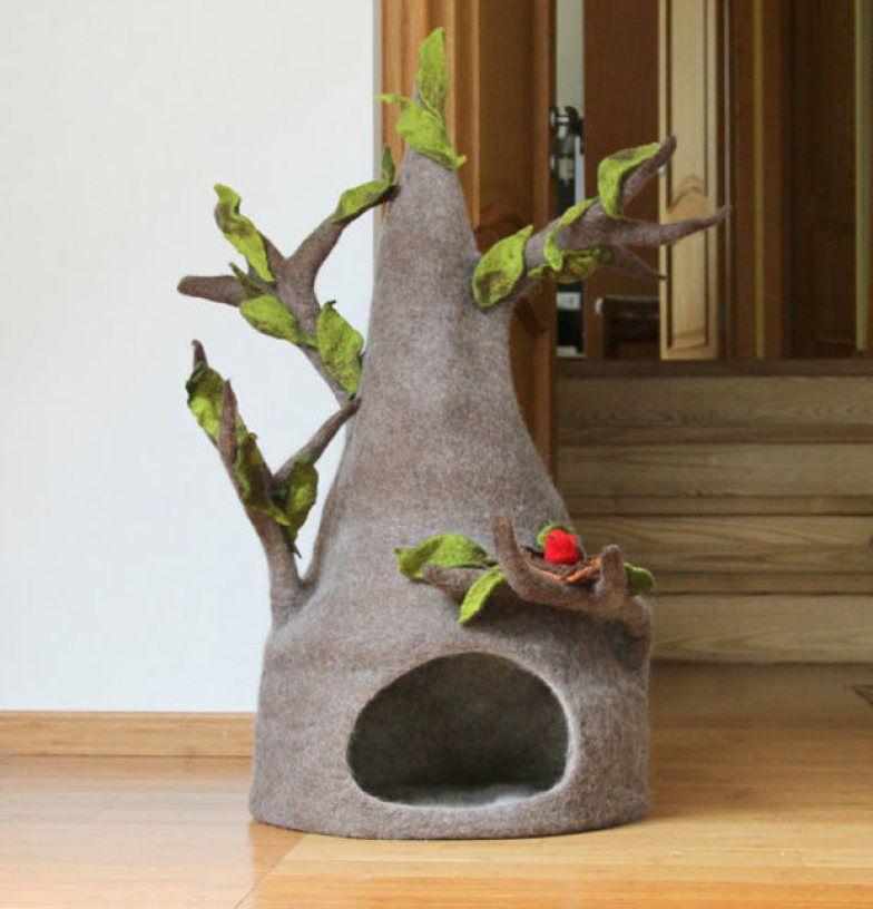 A lã dá forma a esta casinha, feita à mão com lã na Lituânia.
