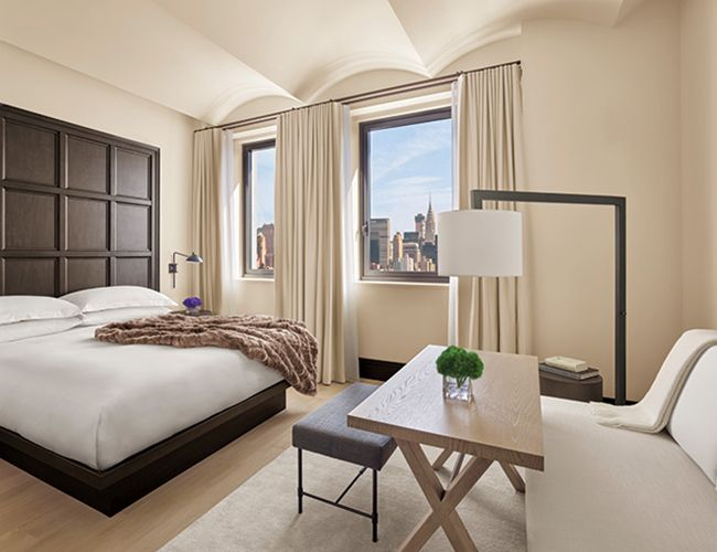 Guest Rooms Combine A Traditional And Modern Aesthetic Using Dark Walnut Headboards And Plastered Ba Hotel Interior Design Edition Hotel New York Edition Hotel