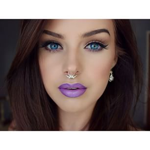Love this make-up look! That purple lipstick is everything <3 #makeup #lipstick #purple