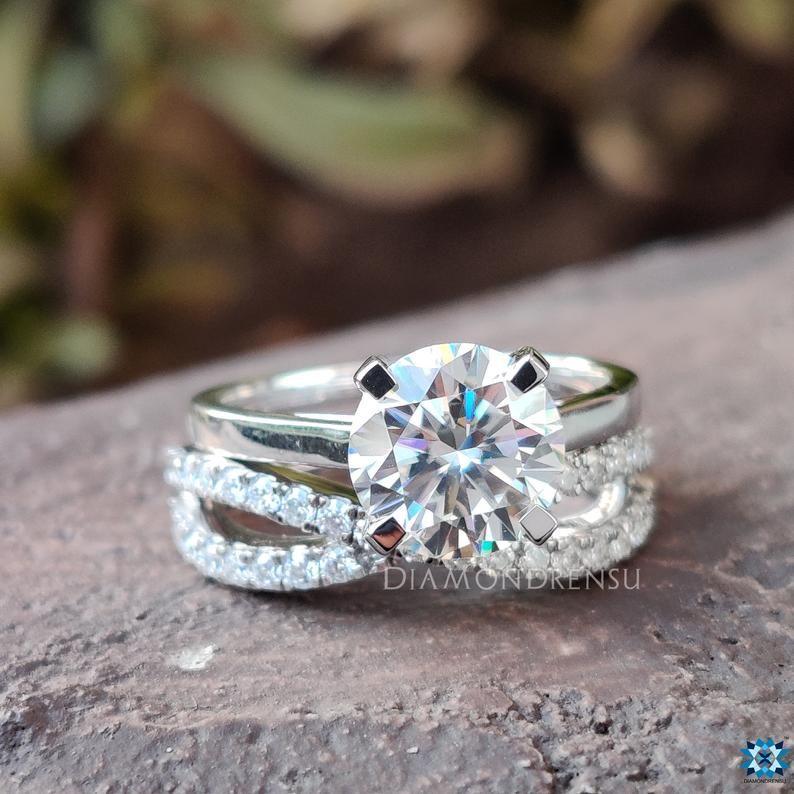 2 33 Tw Round Colorless Moissanite Wedding Set Comfort Fit Etsy In 2020 Moissanite Wedding Set Bridal Ring Sets Moissanite Bridal Sets