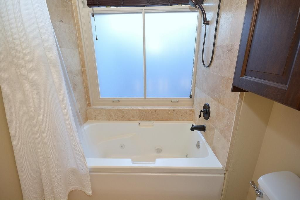 Bathroom Wonderful Jetted Bathtubs With Showers Tubethevote Inside ...