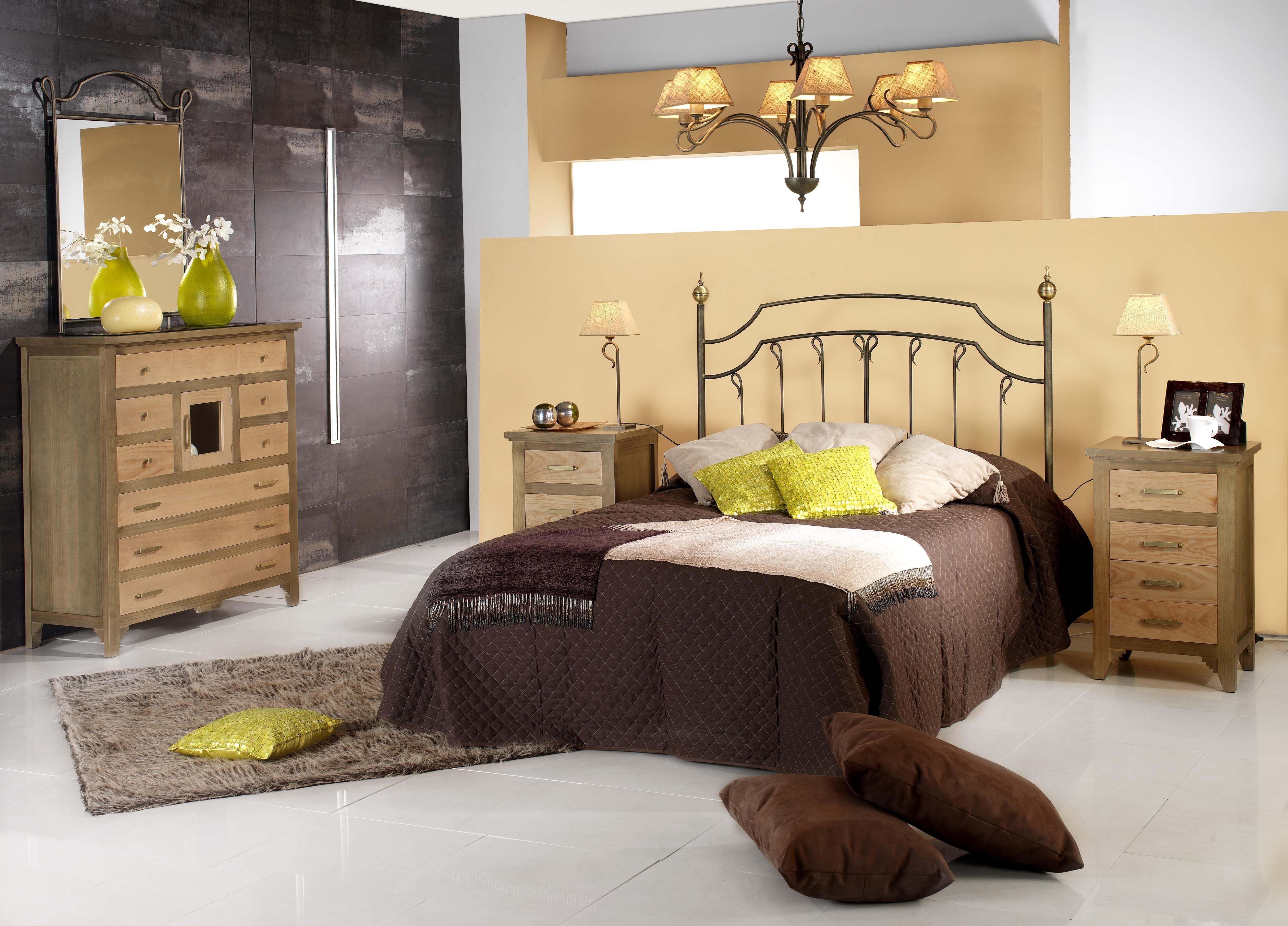 Dormitorio de forja y madera mod Venus fabricado a mano tonos de