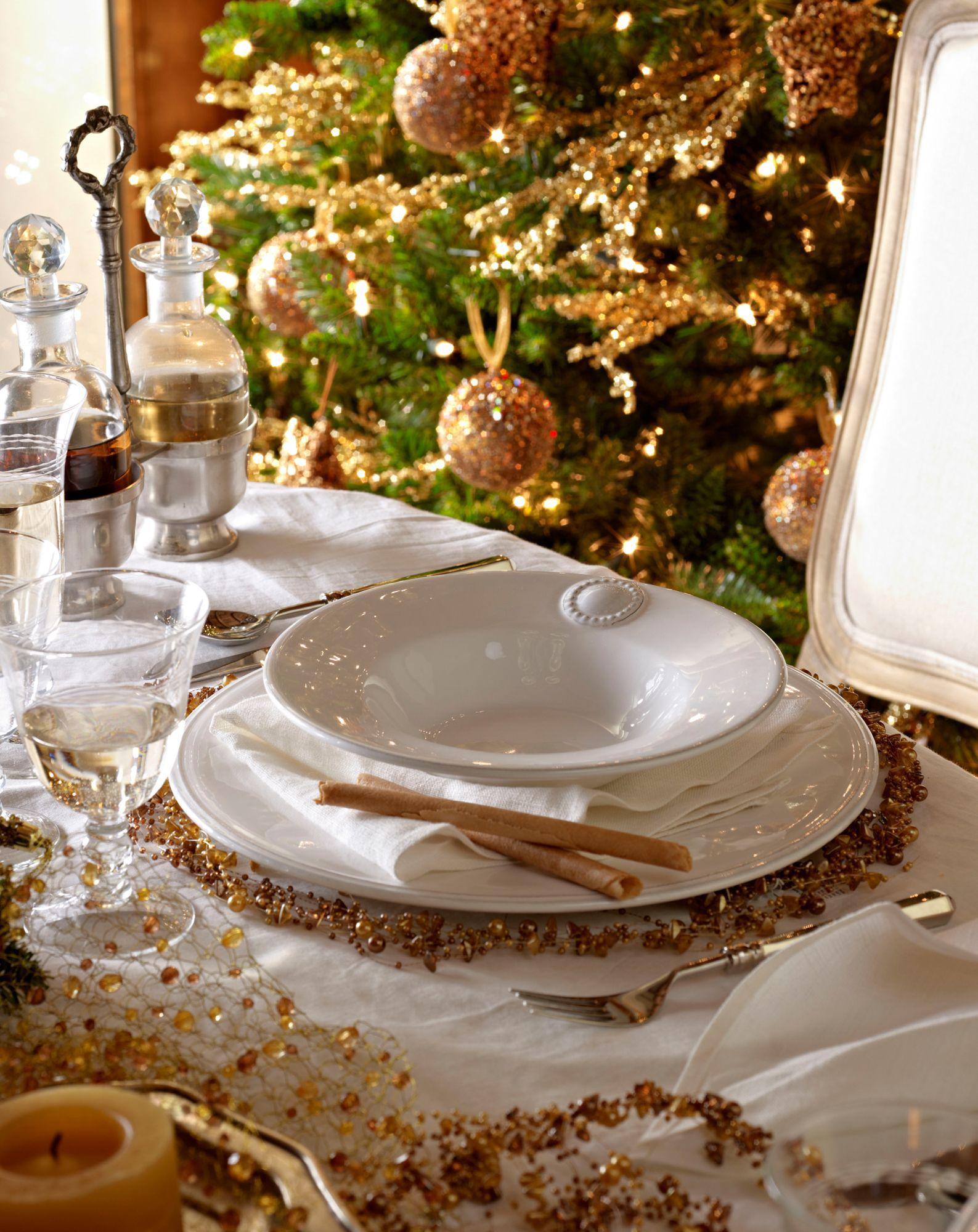 Mesa de navidad con vajilla blanca y decorada con detalles - Vajilla de navidad ...