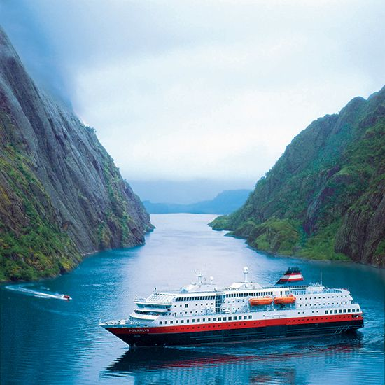 FjordtoTable Dining On Norways Famed Hurtigruten Cruises - Cruise to norway