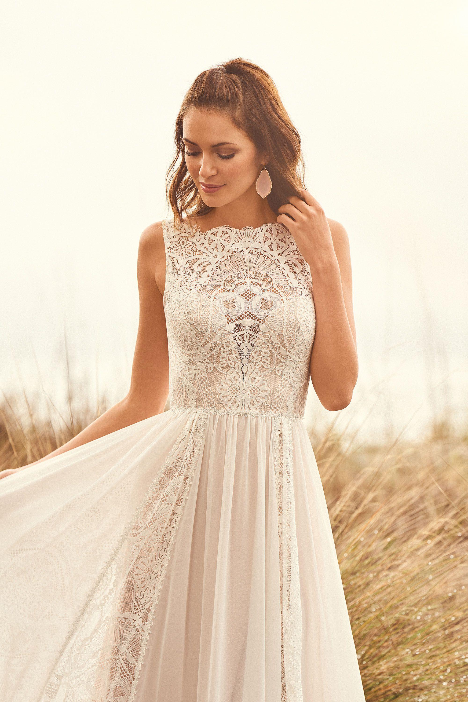 Stil 66109: A-Linie-Kleid aus Spitze und Chiffon-Panel | Lillian West