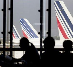 Air France: l'ampleur du plan de restructuration dévoilée lundi aux salariés