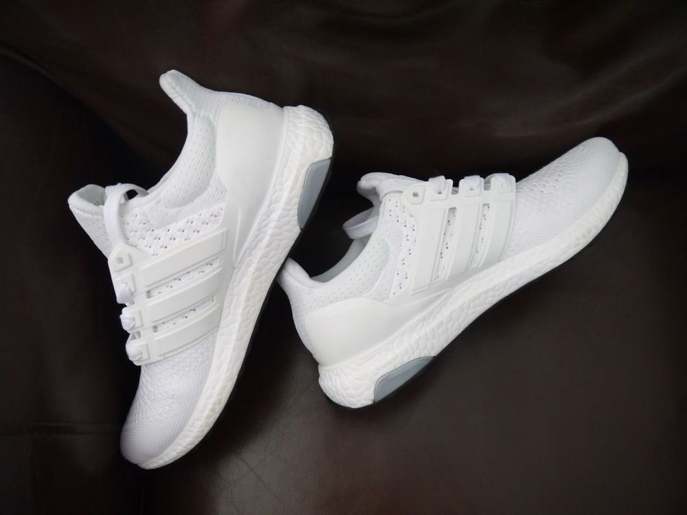 a29c517b8410 DEADSTOCK ADIDAS ULTRA BOOST 1.0