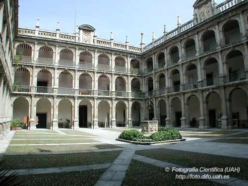 Universidad de alcal de henares madrid espa a arquitectura antigua moderna alcala de Arquitectura alcala de henares