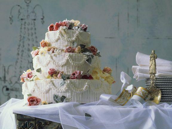 Dreistöckige Hochzeitstorte Rezept