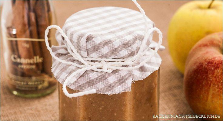 Bratapfel-Marmelade mit Marzipan #Äpfelverwerten Selbstgemachte Bratapfel-Marmelade, ein leckeres Geschenk aus der Küche und perfekt, um Marzipanreste zu verwerten. #Äpfelverwerten