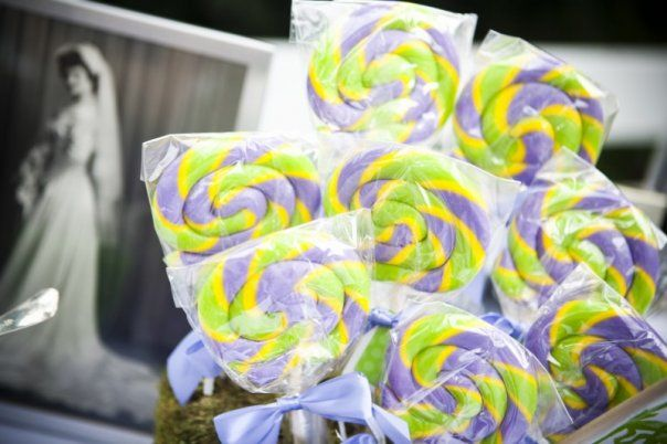 candy buffet with framed photos from family members weddings