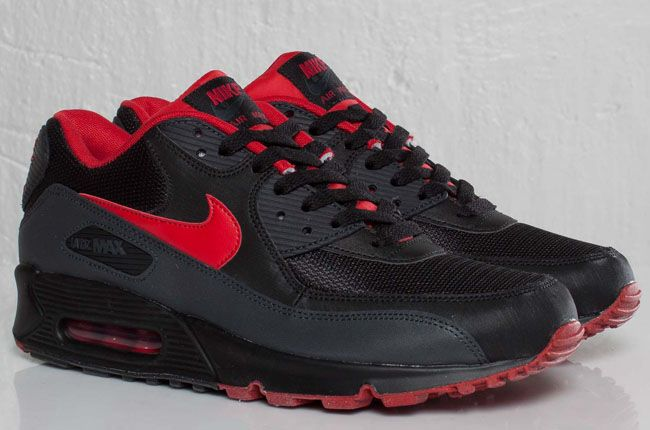 black and red air max 90