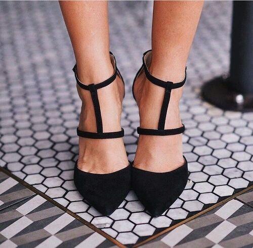 Pin von Kiki Krubally auf Schuhe machen glücklich frag