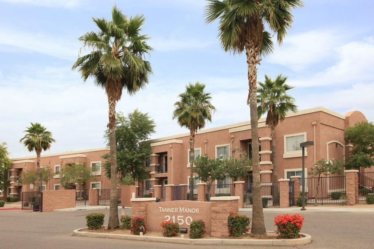 No Pool Tanner Manor Senior Housing In Phoenix Az After55 Com Low Rent 408 600 2b 1b Manor Pool Tanning Senior Apartments