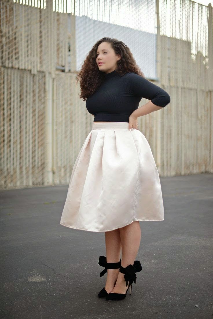 0e864b986f9 fashion geek  How to dress your High Waist Skirt as a Plus Size Woman