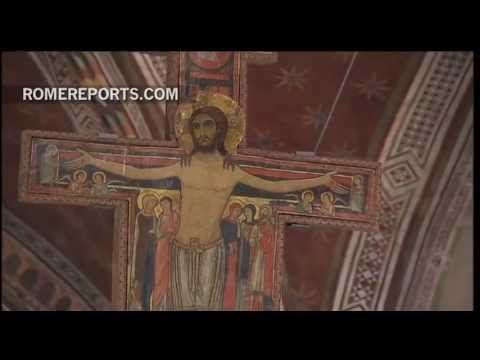 Pope prays before the same Crucifix St. Francis prayed with 800 years ago