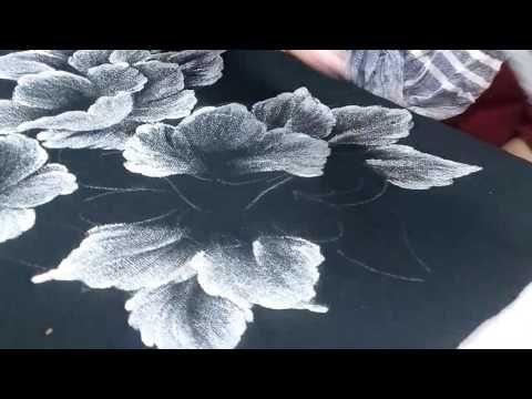 Pintando Amapolas Plateadas En Chalina Negra Youtube Rose Painting Painting Drawings