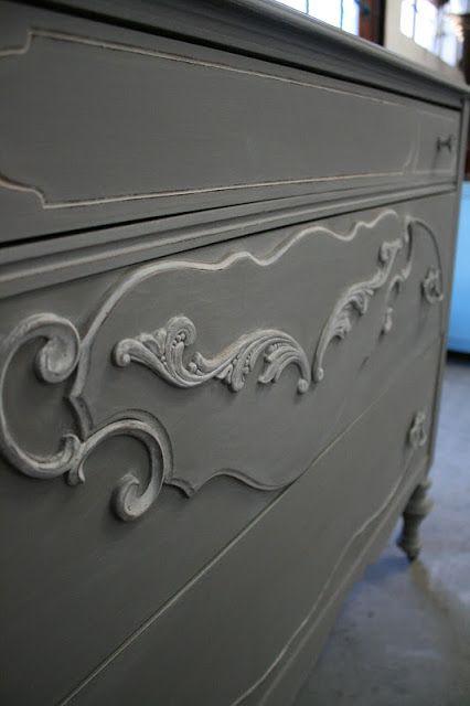 Reloved Rubbish: Whitewashed Gray Dresser