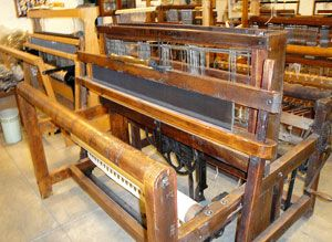 Newsletters about looms from the Spinning Wheel Sleuth