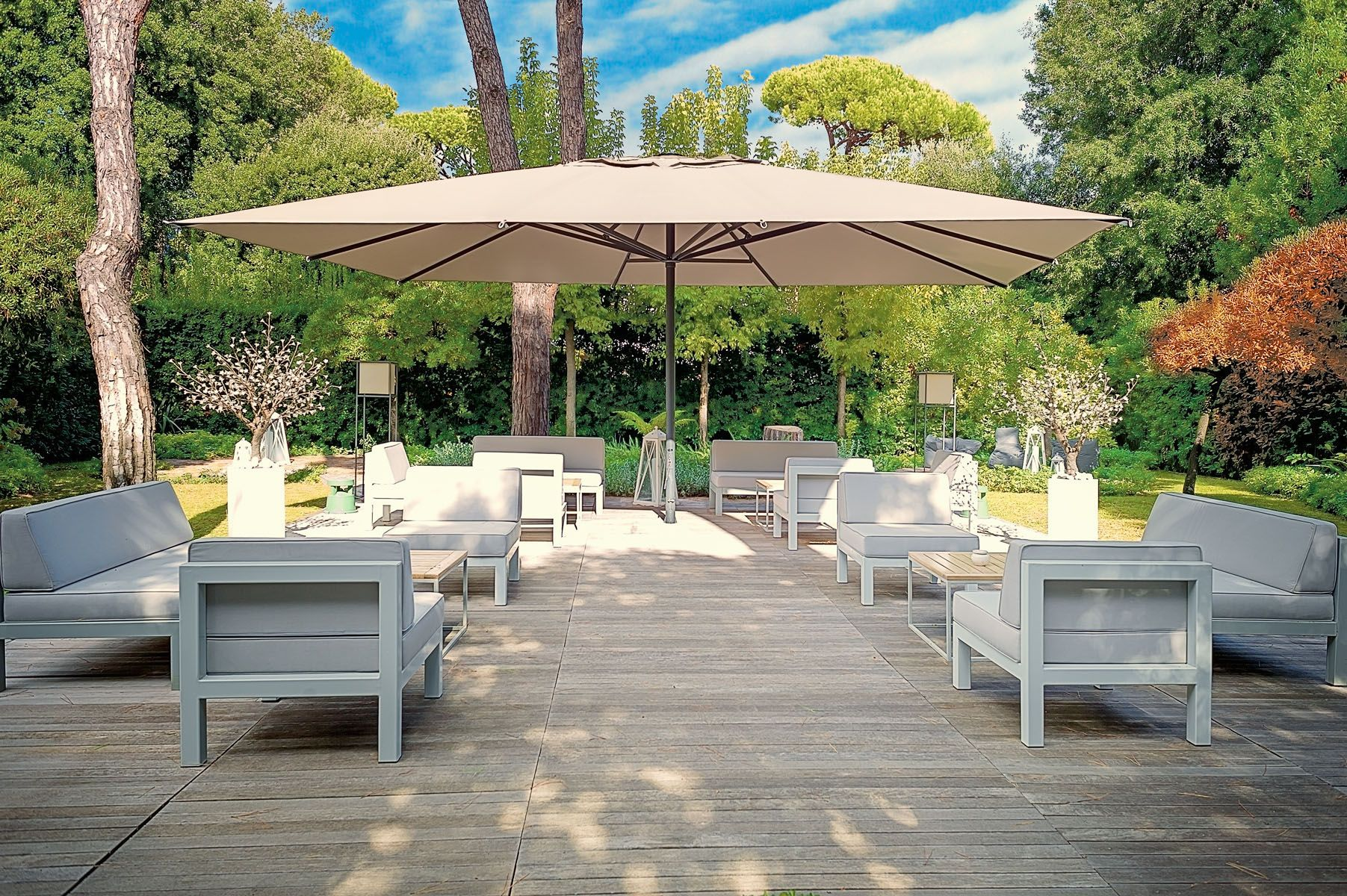 Poggesi Usa Creates Durable Luxury Large Commercial Residential Umbrellas Customize Your Own View Outdoor Umbrella Pool Umbrellas Large Patio Umbrellas